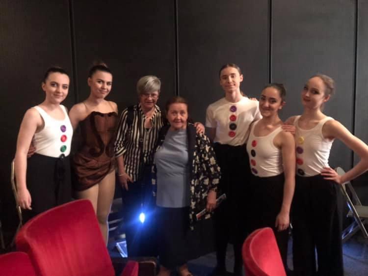 s dámami česko-slovenského tanečného umenia pani IVANKOU KUBICOVOU a pani MARILENOU HALÁSZOVOU